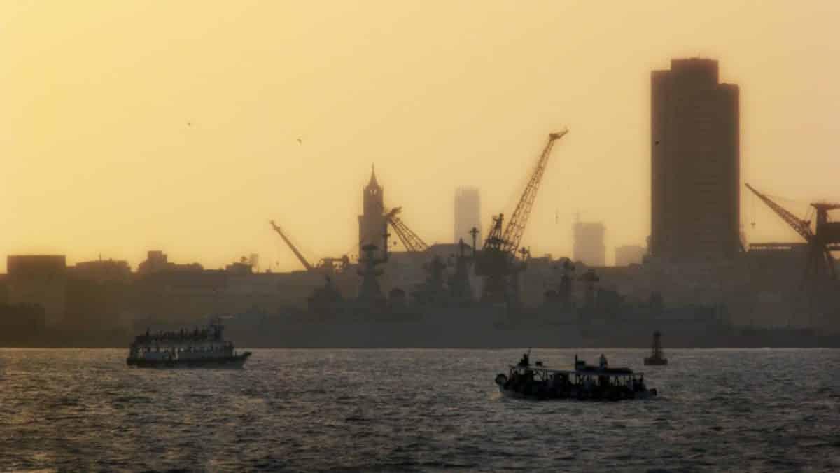 Port de Bombay by Olivier Bezombes